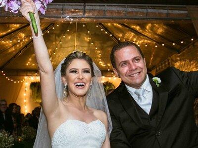 Casamento clássico de Leticia & Frederico: um grande dia perfeito e florido em Vila Velha!