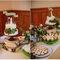 Hochzeits- Tischdeko mit Holz, Foto: Danielle Capito
