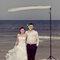 Niekonwencjonalna sesja ślubna na plaży