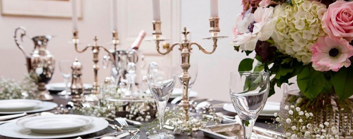 Ajoutez à votre liste de cadeaux de mariage un sublime service d'argenterie