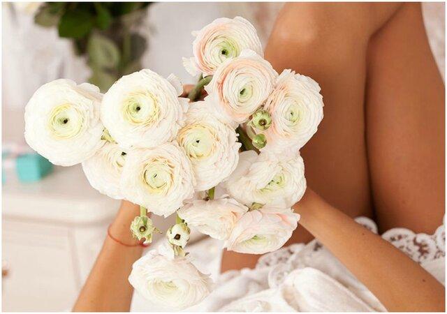 Comment assortir son bouquet de fleurs à sa robe de mariée