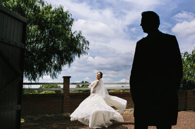 Un caballo negro y otro blanco: Deléitate con la boda de Gaby y Carlos... ¡Detalles preciosos!