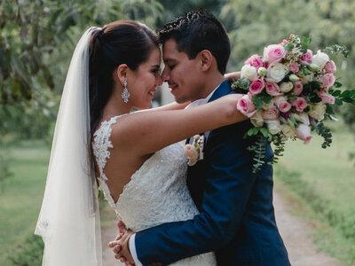 Marissa y Elio: un bonito amor que nunca deja de sonreir de felicidad