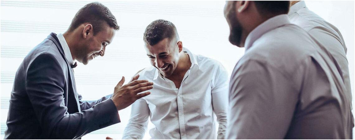 10 razones por las que los amigos del novio son invitados de honor a tu boda