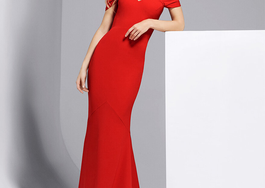 5 Jaw-Dropping Necklines For Wedding Guests