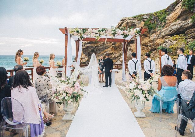 Fique a conhecer 16 espaços para casamentos em Lisboa com vista sobre o mar!