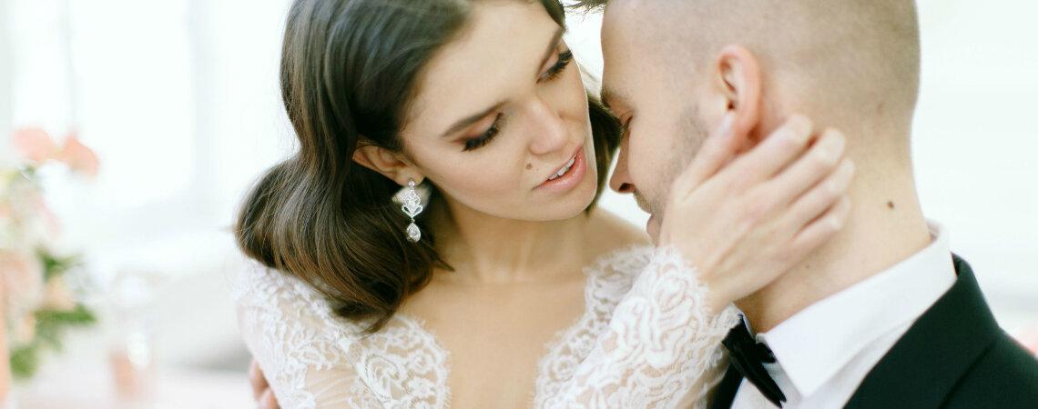 Jak wybrać biżuterię ślubną? Porady specjalistów z pięknymi zdjęciami!