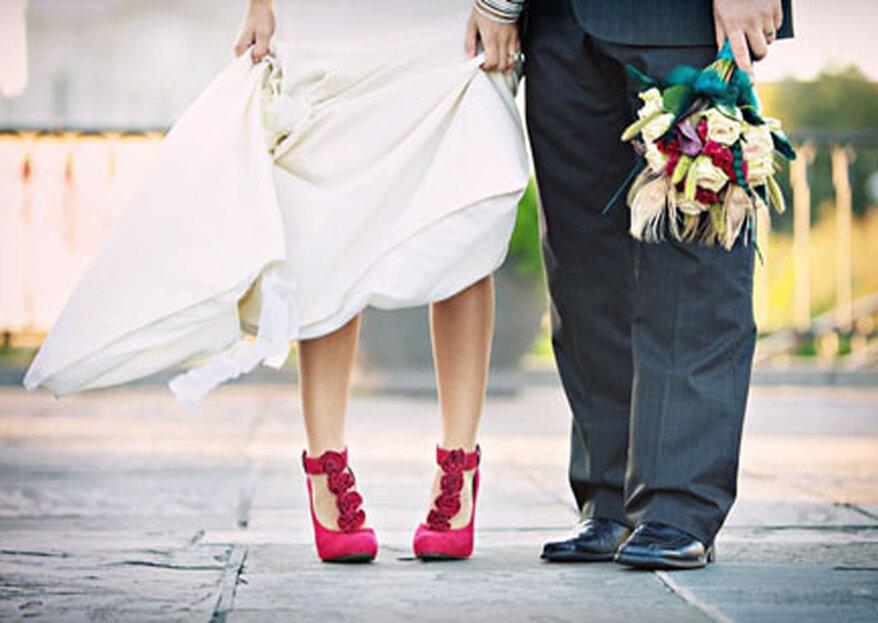 Sapatos coloridos: uma ideia divertida para noivas