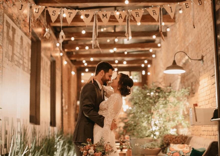 Escreva a sua história de amor nestes espaços: glamour, boho ou rupestre? Os noivos escolhem!