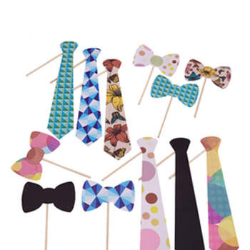 Foto: Atrezzo photocall corbata y pajarita