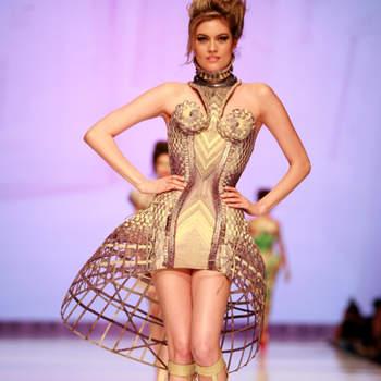 Atualmente, vemos noivas cada vez mais modernas. E Jean Paul Gaultier aproveitou e ousou em sua coleção de vestidos de noivas futuristas. O que você acha dos modelos do estilista?