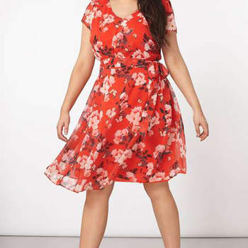 Billie & Blossom Curve Red Floral Print Dress. Credits: Dorothy Perkins