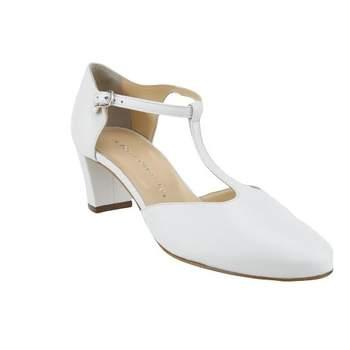 """Le modèle """"Mariette"""" est une jolie paire de chaussures de mariée blanc nacré.  Ces salomés sont fabriquées de façon artisanale en Italie à partir de cuir de chevreau. Avec un talon de 5 cm, et une bride qui vous maintiendra le pied, ces chaussures sont à la fois élégantes et confortables ; elles vous permettront de de profiter de votre soirée en toute sérénité"""
