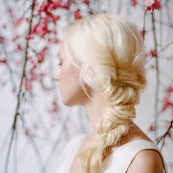 Cabelo de noiva preso   Credits: Rebecca Yale Photography