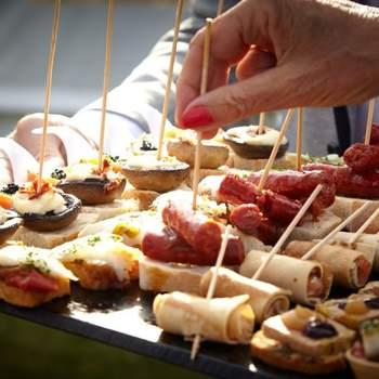 Ofrecen menús pensados por y para sus clientes brindándoles la posibilidad de confeccionar su propio menú. Destacan por su creatividad utilizando productos frescos y de calidad.