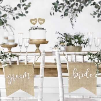 Drapeaux Pour Les Sièges Bride et Groom - Achetez sur The Wedding Shop !