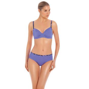 Bikini con slip a vita alta e reggiseno con coppe imbottite