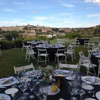 En la carretera de Navalpino, 49, se halla este cigarral. En sus amplios jardines podréis disfrutar de un boda con magníficas vistas a Toledo.