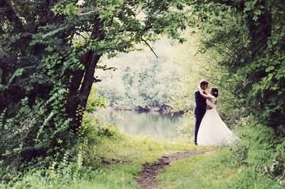 Le joli mariage les pieds dans l'eau de Marc et Émilie dans le Morbihan