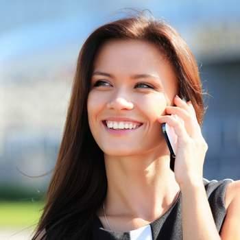 Una chiamata di tanto in tanto non può che fargli piacere. Non c'è bisogno di un motivo specifico, semplicemente per sapere come sta e ascoltare la sua voce.  Foto: Shutterstock