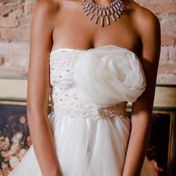 Manuela Lo Presti : stile principesco con un tocco speciale. Aggiungi un particolare al tuo abito per renderlo unico e del tutto personalizzato.
