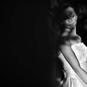 Preciosa imagen de la novia en blanco y negro. Foto: U&U photo. Web: http://www.u-uphoto.com/