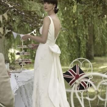 """<a title=""""Estilistas britânicos"""" href=""""https://www.zankyou.pt/p/o-vestido-da-semana-the-vintage-wedding-dress-company"""" target=""""_blank"""">Saiba mais sobre vestidos de noiva de estilistas britânicos aqui.</a>"""