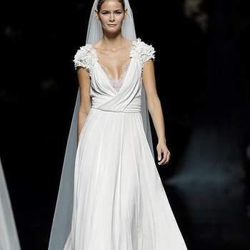 """Vestido de noiva da coleção Elie Saab para Pronovias 2013 Foto: <a href=""""http://zankyou.9nl.de/oss2"""" target=""""_blank"""">Pronovias</a>"""