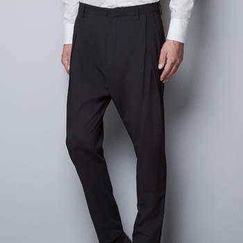 Este invierno se llevan los pantalones con caida baja. Foto: Zara