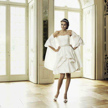Foto: Magy's Braut- und Festmode1
