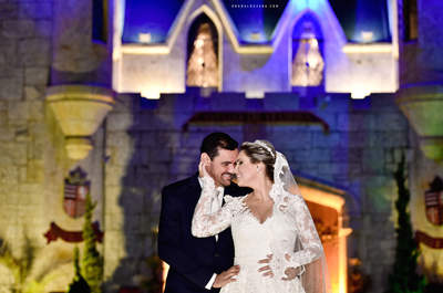 Jones & Ludyane: Casamento clássico onírico em verde e branco no Castelo de Itaipava!