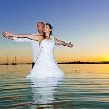 «A simplicidade e cumplicidade que remete para o imaginário dos noivos. Toda a tonalidade e equilíbrio de cores, trabalham em torno desse sonho... Que se espera colorido.»  www.i9photo.com