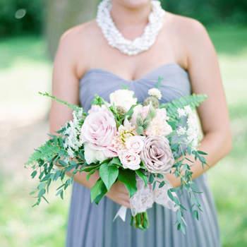 Bouquet de mariée fleurs blanches  Laura Ivanova Photography