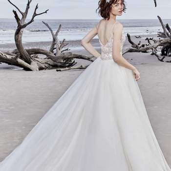 """<a href=""""https://www.maggiesottero.com/sottero-and-midgley/saylor-rose/11568"""">Maggie Sottero</a>"""