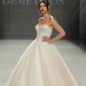 Demetrios. Credits: Barcelona Bridal Fashion Week.