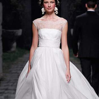 O vestido de noiva é um dos ítens mais importantes e sonhados de toda noiva. Se você tem um estilo romântico, irá se apaixonar pela coleção de vestidos Victorio & Lucchino 2013.