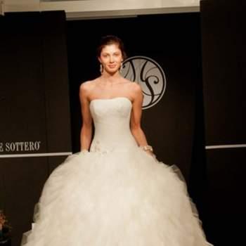 Une robe de mariée de princesse ultra féminine.