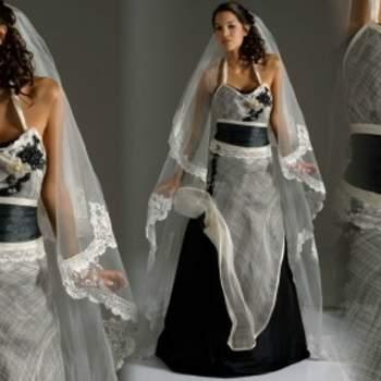 Robe de mariée Elsa Gary 2012, modèle Carolina. Divine association du noir et du blanc ! Une robe de mariée chic et originale. - Source : Elsa Gary