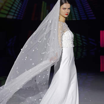 Marylise, Rembo Styling. Credits: Barcelona Bridal Fashion Week