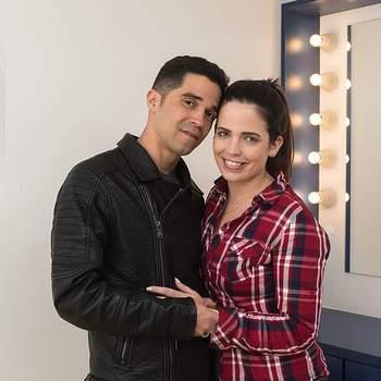 """Joana Pereira, de 27 anos, irá trocar juras de amor com Ruiter Cruz, de 36, na cerimónia religiosa dos Casamentos de Santo António.  A gestora de clientes e o pintor dizem que """"juntos somos mais fortes"""""""