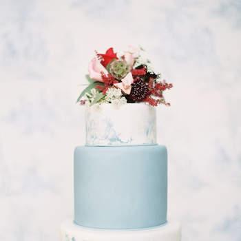 Inspiração para bolos de casamento simples, mas fabulosos! | Créditos: Marissa Lambert Photography
