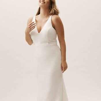 Créditos: BHLDN, Jones V-Neck Crepe Dress Plus Size