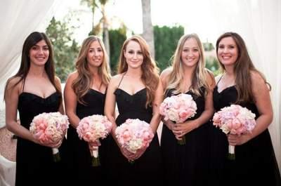Vestidos elegantes en color negro para las damas de boda