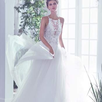 Credits: Maggie Sottero. Seen at The Knot Couture Show.