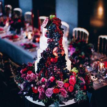 (Credits: @mat.kb, TABEA MARIA-LISA Floral Designer, Ola Torten Couture)