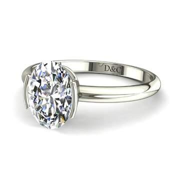 Photo : Diamants et Carats - Modèle : Anoushka ovale en or blanc