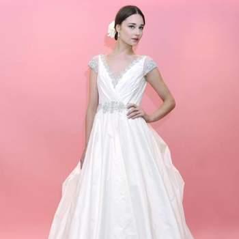 Toda noiva busca o vestido ideal, que combine com seu estilo e que seja adequado para o tipo de casamento que fará. Inspire-se na coleção Primavera 2013 de Badgley Mischka e escolha o que se adequa mais à vocês!