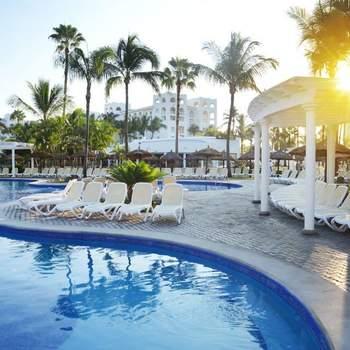 "<a href=""https://www.zankyou.com.mx/f/riu-hotels-resorts-vallarta-9863""> Foto: Riu Hotels and Resorts Puerto Vallarta </a>"