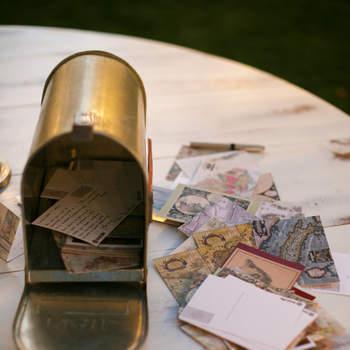 Buzón con cartas tipo vintage para mensajes de invitados. Credits: Meadowood Napa Valley