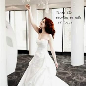 Robe de mariée Liv, Collection Mon Amour. Vue de face. Crédit photo: Nathalie Elbaz Cleuet
